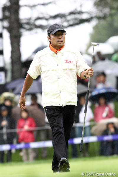 Shingo Katayama with the GP putter